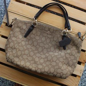 Chic Classic Coach Tote bag with long strap